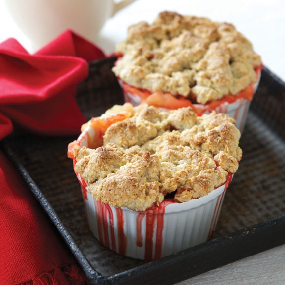 Small apple crumble recipes like these are perfect for dinner parties